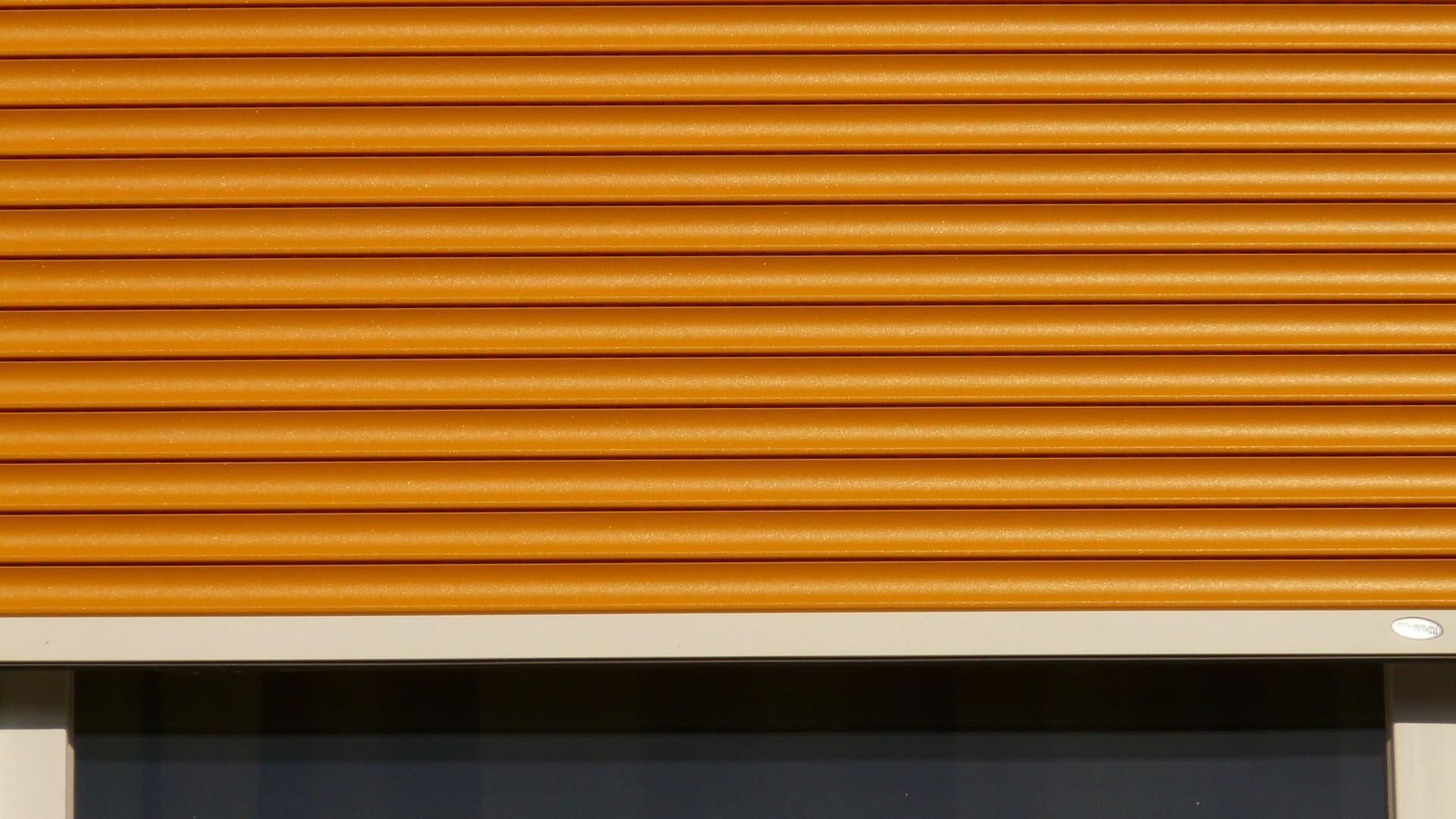 sectionnelle basculante ou enroulement quel est le meilleur mod le de porte de garage. Black Bedroom Furniture Sets. Home Design Ideas